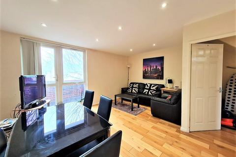 3 bedroom flat to rent - Jansen Walk, London