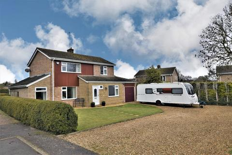 3 bedroom detached house for sale - Timbergate Road, Ketton, Stamford