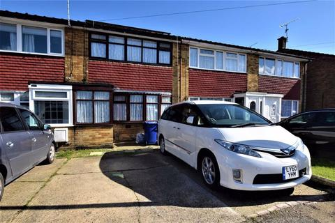 3 bedroom terraced house to rent - Chaucer Road, Tilbury, Essex