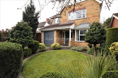 4 bedroom detached house for sale - Newlands Road