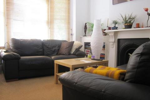 4 bedroom house to rent - Fenham Road Peckham SE15