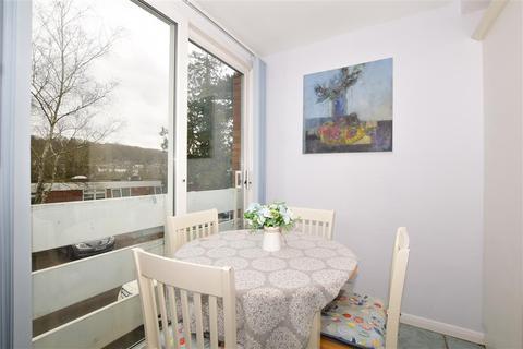 2 bedroom ground floor flat for sale - The Pines, Purley, Surrey