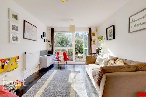 1 bedroom maisonette for sale - Mcneil Road, London