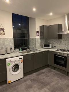 4 bedroom apartment to rent - 44 South Bridge Edinburgh EH1 1LL