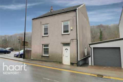 1 bedroom in a house share to rent - Station street, Abersychan