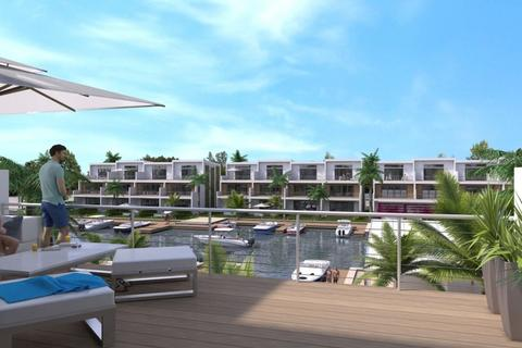 3 bedroom apartment - George Town, 877, Cayman Islands