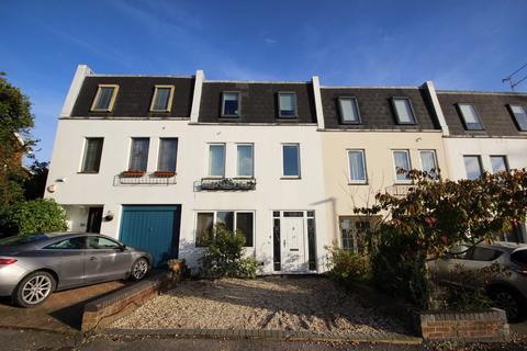 4 bedroom terraced house to rent - St Stephens Road, Tivoli, Cheltenham, Gloucestershire, GL51