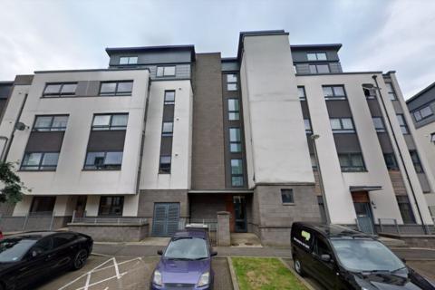 3 bedroom apartment to rent - Colonsay Close, Edinburgh EH5
