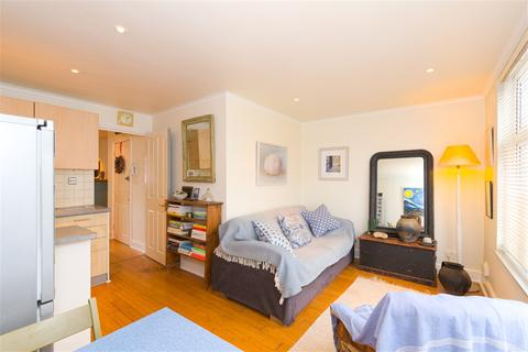 2 bedroom apartment for sale - Walton Road, Molesey