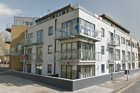3 bedroom apartment for sale - Upton Lane