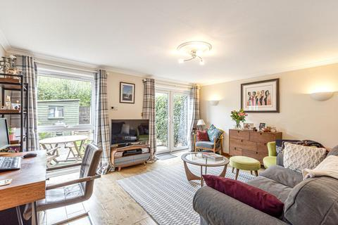 3 bedroom end of terrace house for sale - Gaskarth Road, Balham