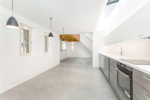 4 bedroom detached house to rent - Aldridge Road Villas, London, W11