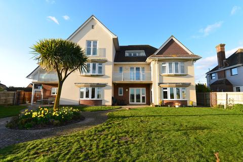 3 bedroom apartment for sale - Western Avenue, Barton On Sea, New Milton