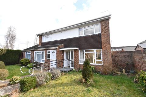 2 bedroom terraced house to rent - Radcot Close, Maidenhead, Berkshire, SL6