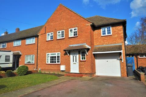 6 bedroom end of terrace house to rent - Hornbeam Road