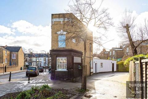 2 bedroom apartment to rent - Oldhill Street, London, N16