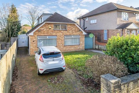 3 bedroom bungalow for sale - Burford Close, Ickenham, Uxbridge