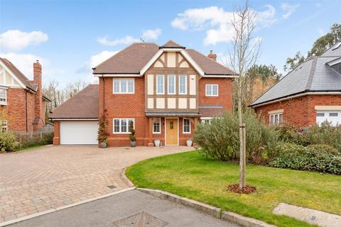 5 bedroom detached house to rent - Montague Park, Winkfield