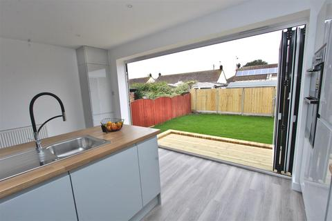 3 bedroom chalet for sale - Jetty Road, Warden, Sheerness