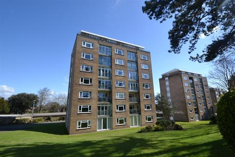 3 bedroom flat for sale - Compton Place Road, Eastbourne