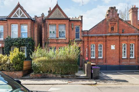 4 bedroom semi-detached house for sale - Southwood Lane, London, N6