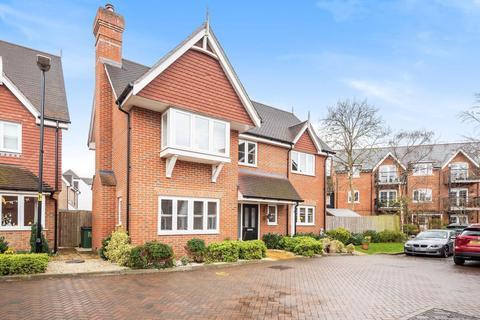 4 bedroom detached house for sale - Edwards Close, Broadbridge Heath, Horsham, RH12