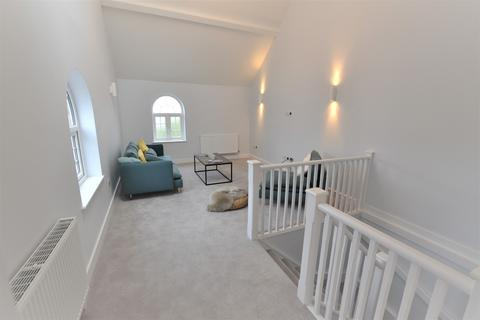 2 bedroom end of terrace house for sale - Mansfield Road, Poole