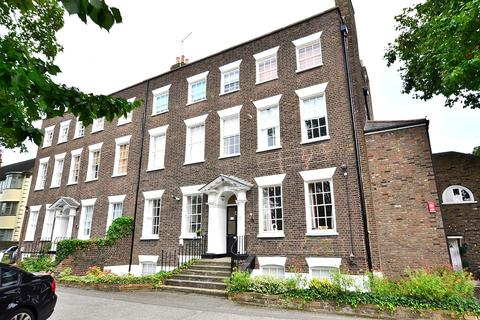 1 bedroom apartment to rent - Woodford Road, South Woodford, E18