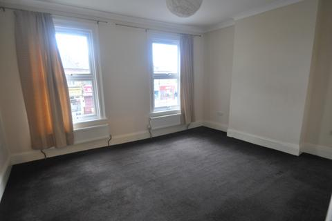 2 bedroom flat to rent - Northfield Avenue, London, W13