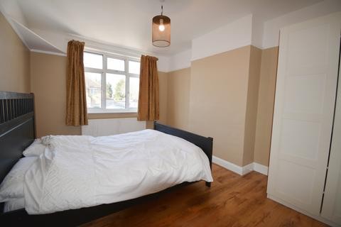 3 bedroom end of terrace house to rent - Greenford Avenue, London, W7