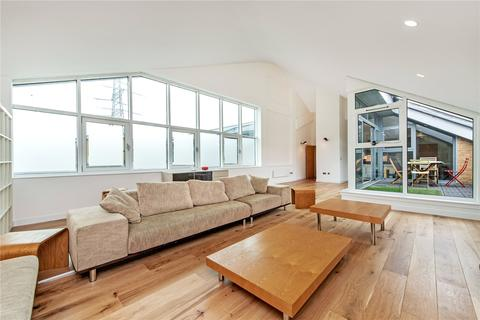 3 bedroom flat for sale - The Grainstore, 4 Western Gateway, London