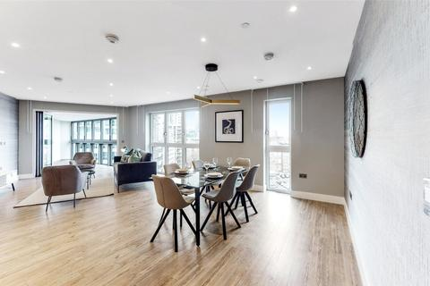 2 bedroom flat to rent - Wiverton Tower, London, E1