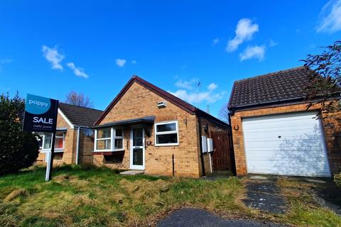 2 bedroom detached bungalow for sale - Canterbury Close, Beverley