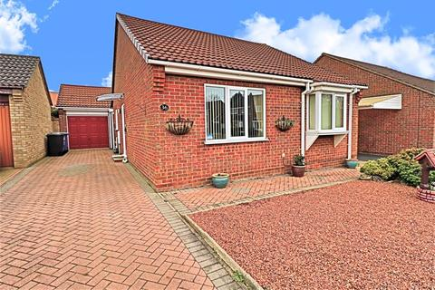 2 bedroom detached bungalow for sale - Dunston Drive, Oulton Broad