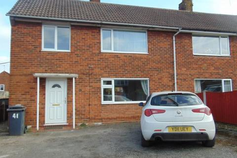 3 bedroom semi-detached house to rent - Sussex Drive, Stoke-On-Trent