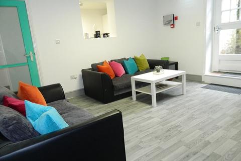 3 bedroom apartment to rent - Fishergate Hill Basement, PRESTON, Lancashire PR1 8JD