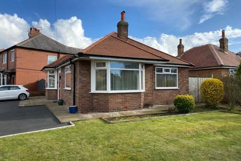 2 bedroom detached bungalow to rent - Church Road, St Annes, Lytham St Annes, FY8