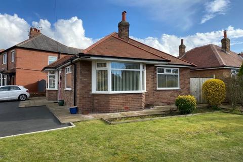 2 bedroom detached bungalow to rent - Church Road, St Annes, Lytham St Annes, FY8