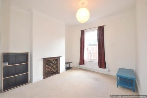 2 bedroom flat to rent - Forest Road, London Fields