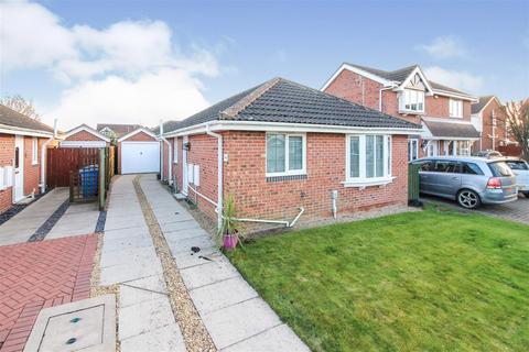 2 bedroom detached bungalow for sale - Rowan Avenue, Beverley