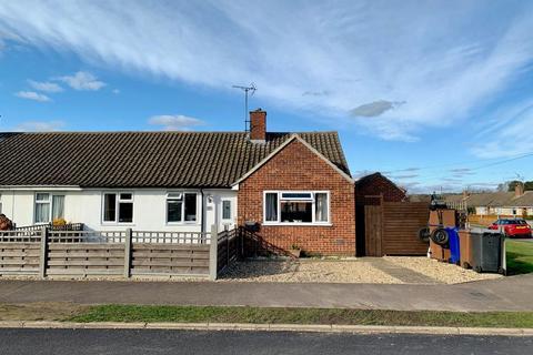 3 bedroom semi-detached bungalow for sale - Hereward Avenue, Mildenhall