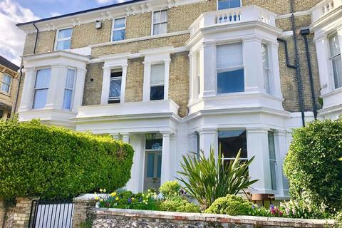 6 bedroom terraced house for sale - Enys Road, Eastbourne