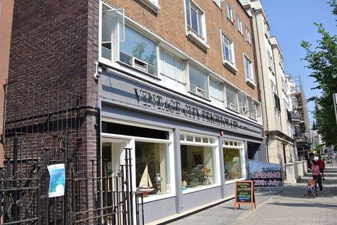 3 bedroom flat to rent - Gloucester Place, Brighton, BN1 4AA
