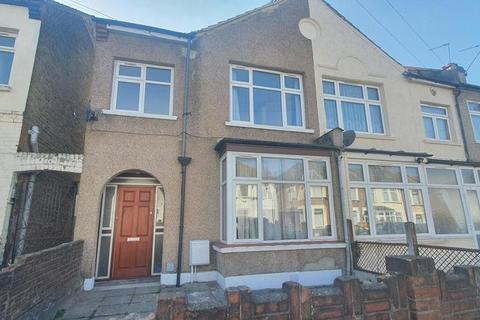 3 bedroom house to rent - Sandyhill Road, Ilford, IG1