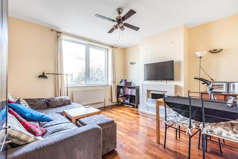 2 bedroom flat for sale - York Road, Battersea