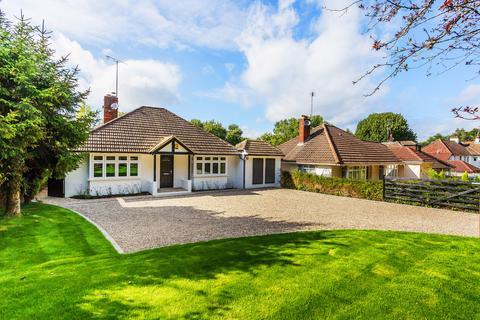 3 bedroom detached bungalow for sale - Uckfield Lane, Hever, TN8