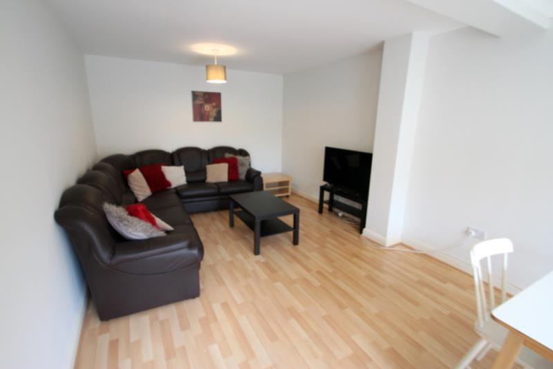 HC13 Living Room med