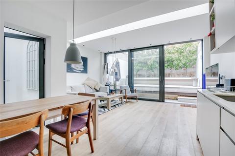2 bedroom flat for sale - Margravine Gardens, London