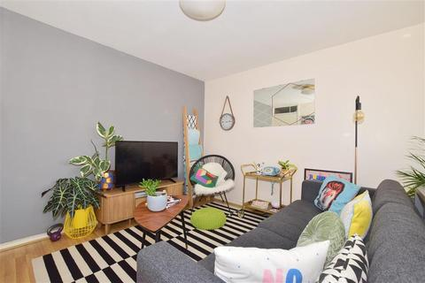 2 bedroom flat for sale - Milton Mount, Pound Hill, Crawley, West Sussex