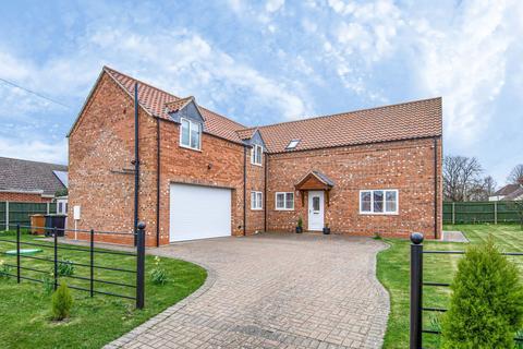 4 bedroom detached house for sale - Vicarage Lane, Helpringham, NG34